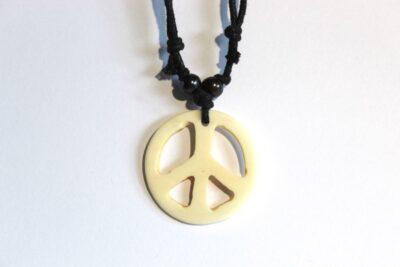 collier paix clair 2